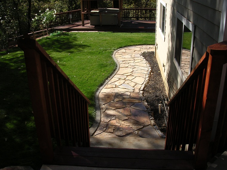 Flagstone entry way